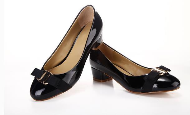 芭妮皮鞋优雅