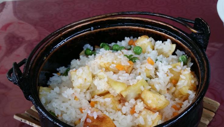 锅边洋芋炒饭
