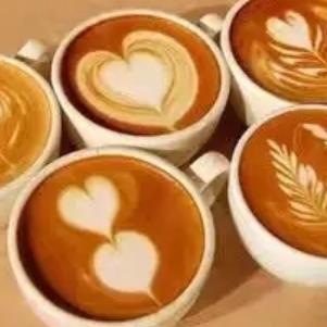 金寶白咖啡心型