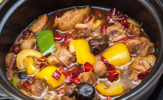 中腾黄焖鸡米饭