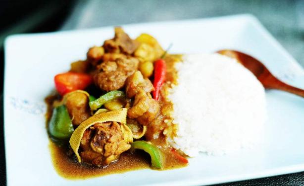 花甲米线黄焖鸡米饭