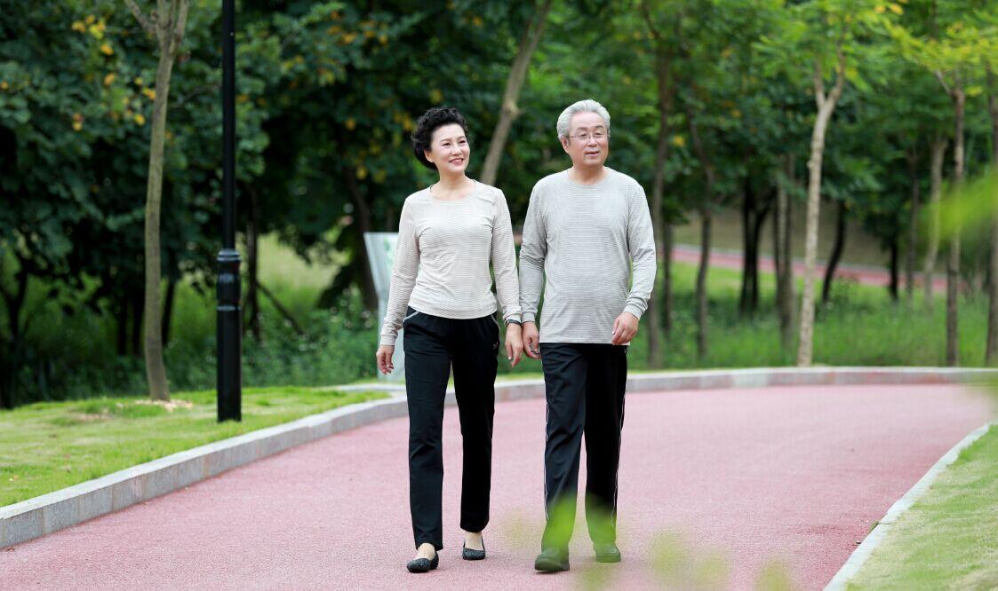 墨子星智能服装关爱中老年人