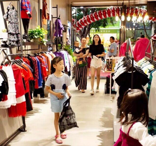 可米芽快时尚生态童装品牌生意红火