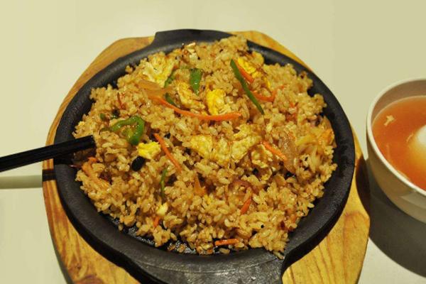 米有味道港式铁板炒饭好吃
