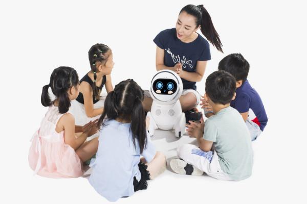 智童时刻机器人教育