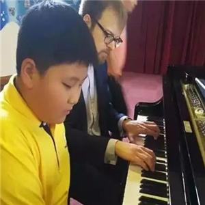 英皇音乐教育钢琴
