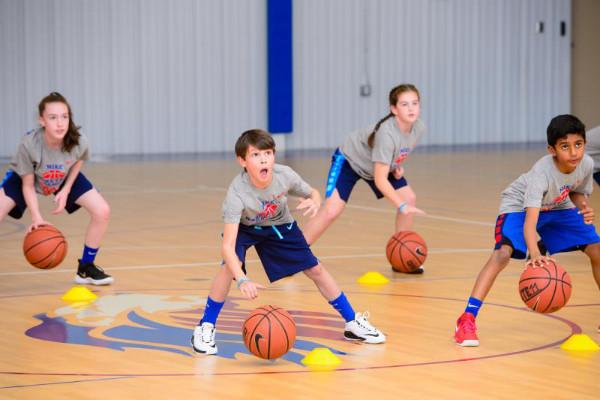 耐克运动营篮球训练