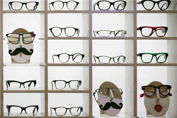 康明眼镜店架子