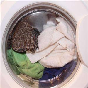 良家洗衣里面