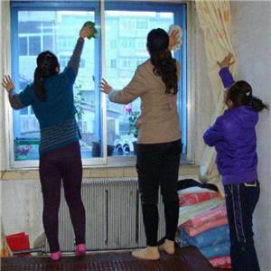 巧媳妇家政擦窗