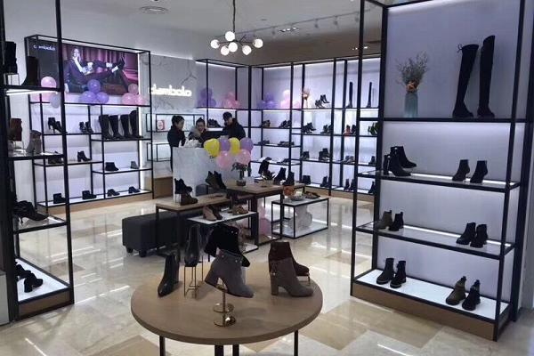 丹比奴beplay女鞋不断提高品牌竞争力,让加盟商更赚钱
