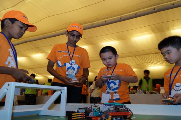 邁思騰機器人編程賽事活動