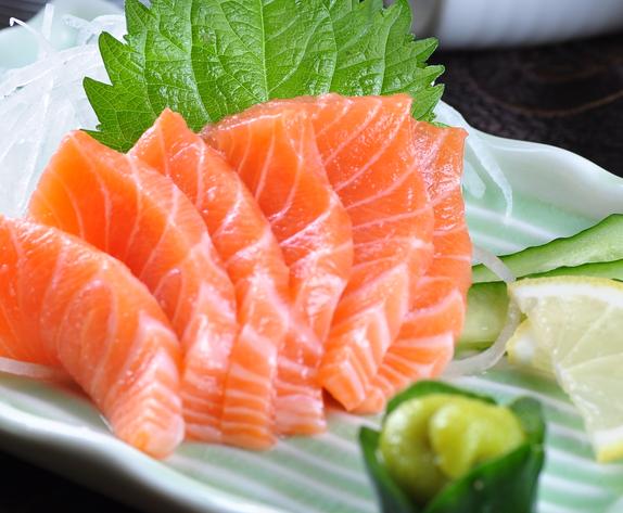 樱露寿司三文鱼刺身