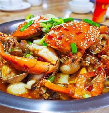 萌煲煲肉蟹煲美味