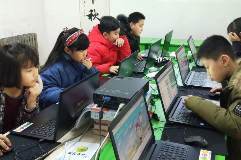 HelloCode青少儿学科编程课堂