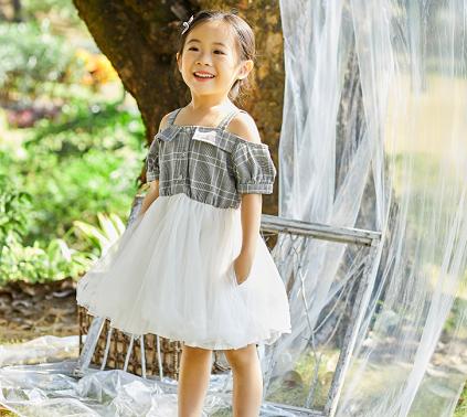 小猪宾果潮品童装连衣裙