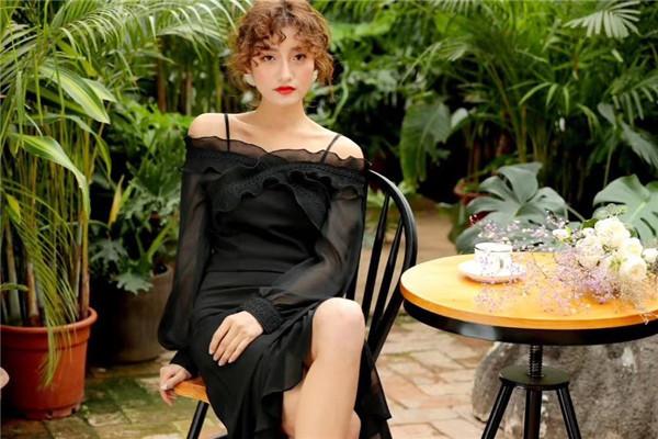 木丝语女装模特海报