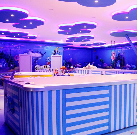 迪乐尼室内儿童乐园泳池