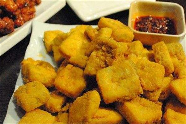 西镇臭豆腐小吃