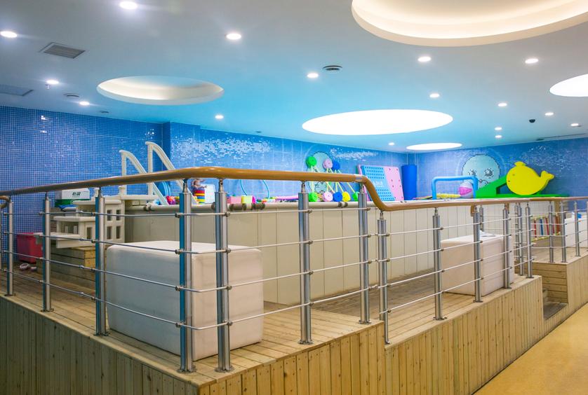 月儿湾婴儿游泳馆设备