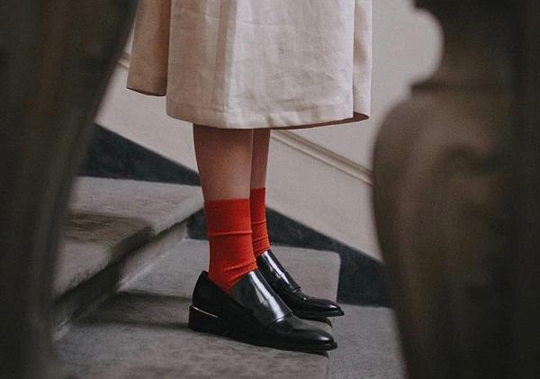丹比奴鞋履潮流 今夏超红的凉鞋,红与黑谁才是你心中的beplay体育女神!