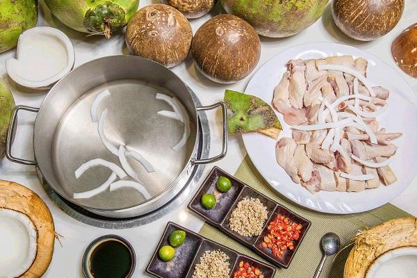 投资一家椰子鸡火锅的成本是多少呢?