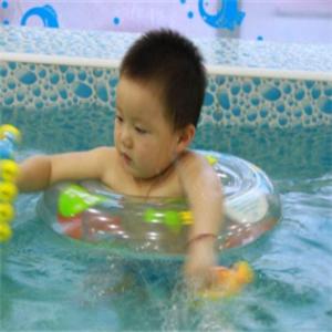 可爱可亲婴儿游泳馆宝宝