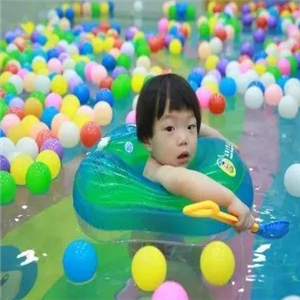 孝感婴儿游泳馆泡泡球
