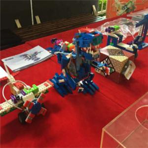 金博士机器人教育器材