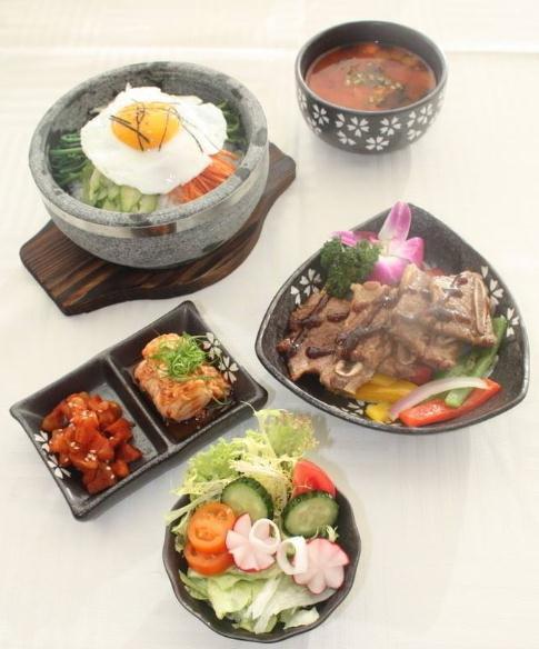 伴小石石锅拌饭产品3
