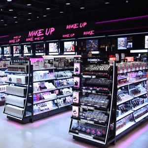 依娲化妆品货架
