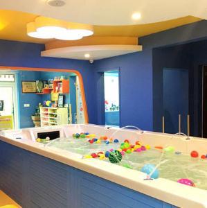 貝貝約嬰幼兒水育館