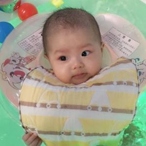 开心小鱼婴儿游泳馆