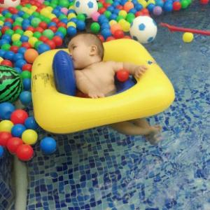 蓝豚游泳俱乐部