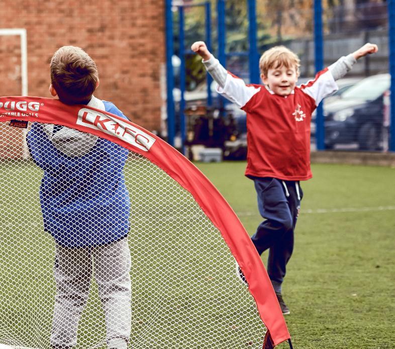 球小星欢动足球学员8
