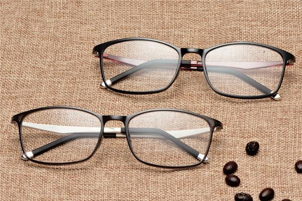 纯钛眼镜架两副