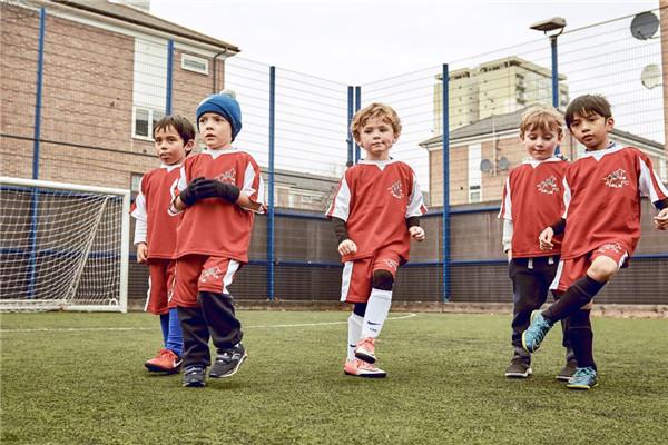 球小星欢动足球学员