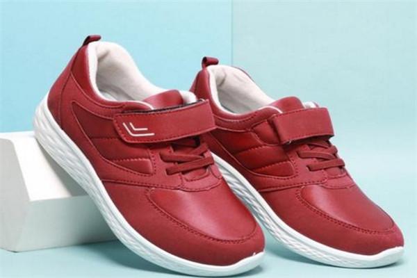 福泰欣健步鞋,打造中国时尚健步鞋实力beplay体育品牌