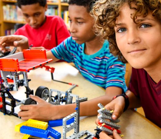 乐创机器人教育互动