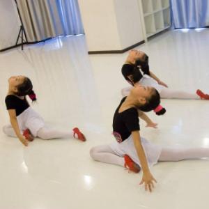 武汉贝卡舞蹈培训