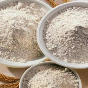 碾转石磨面粉