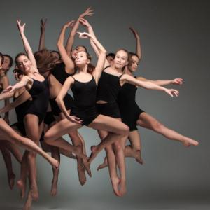 芭菲尔舞蹈很好