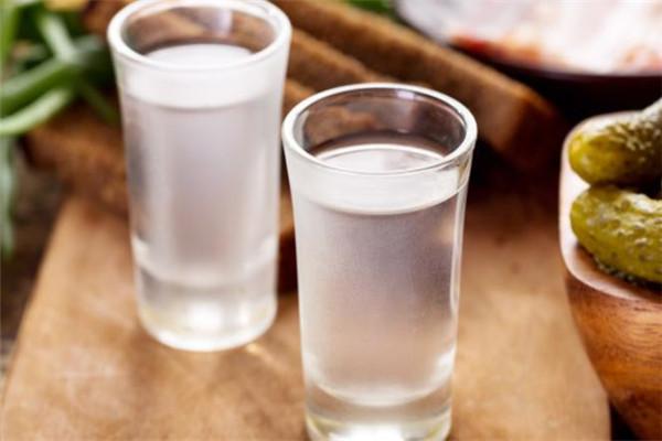 赖世家酒白酒