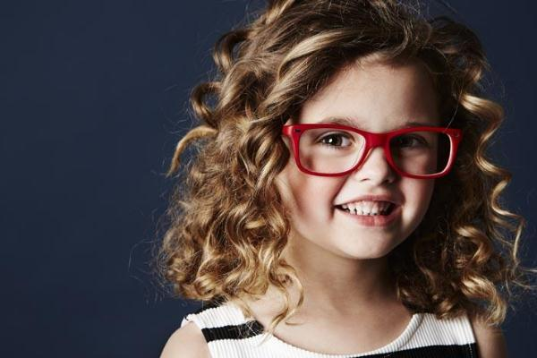 贝尔莎眼镜开心