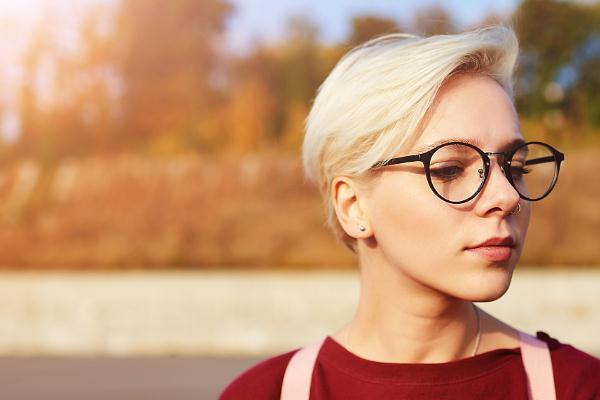 康视眼镜时尚