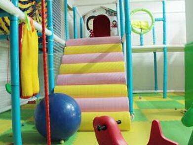 小淘气儿童乐园