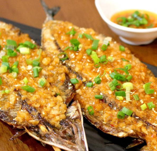 心里海匠烤秋刀鱼食物1
