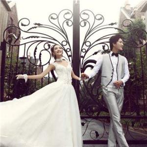 龙摄影国际婚纱连锁集团照片三