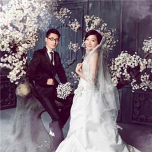 龙摄影国际婚纱连锁集团照片四