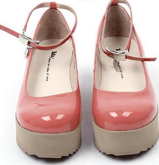 她他鞋粉色
